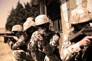 Νέο στρατιωτικό δόγμα σχεδιάζει η Τουρκία;
