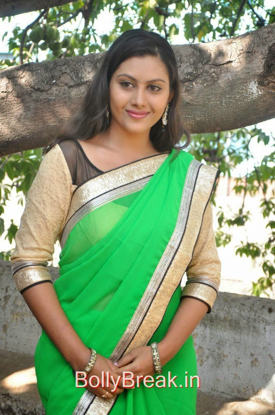 Priyanka Stills, Hot Pics Of Priyanka In Green Saree from SS Art Productions Production No 1 Movie