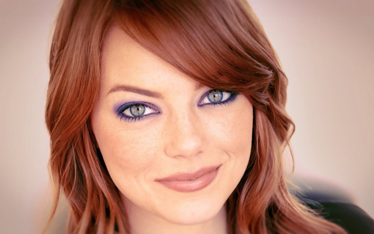 Emma Stone Widescreen HD Wallpaper