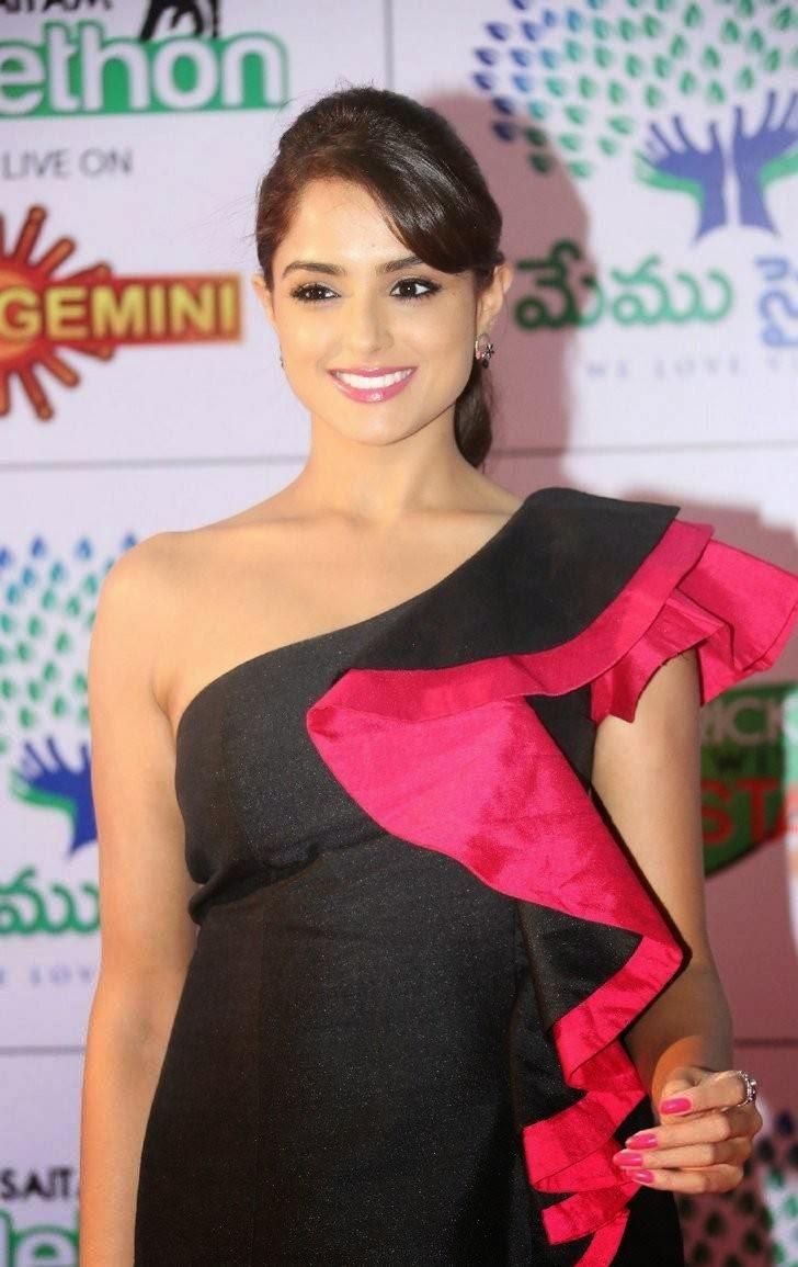 Asmitha Sood Photo Gallery, Asmita Sood Sexy Photos in Hot Black Dress Without sleeve