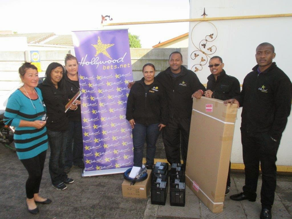 Hollywoodbets Montague Gardens with donations to the Boyes Helping Hands Organisation