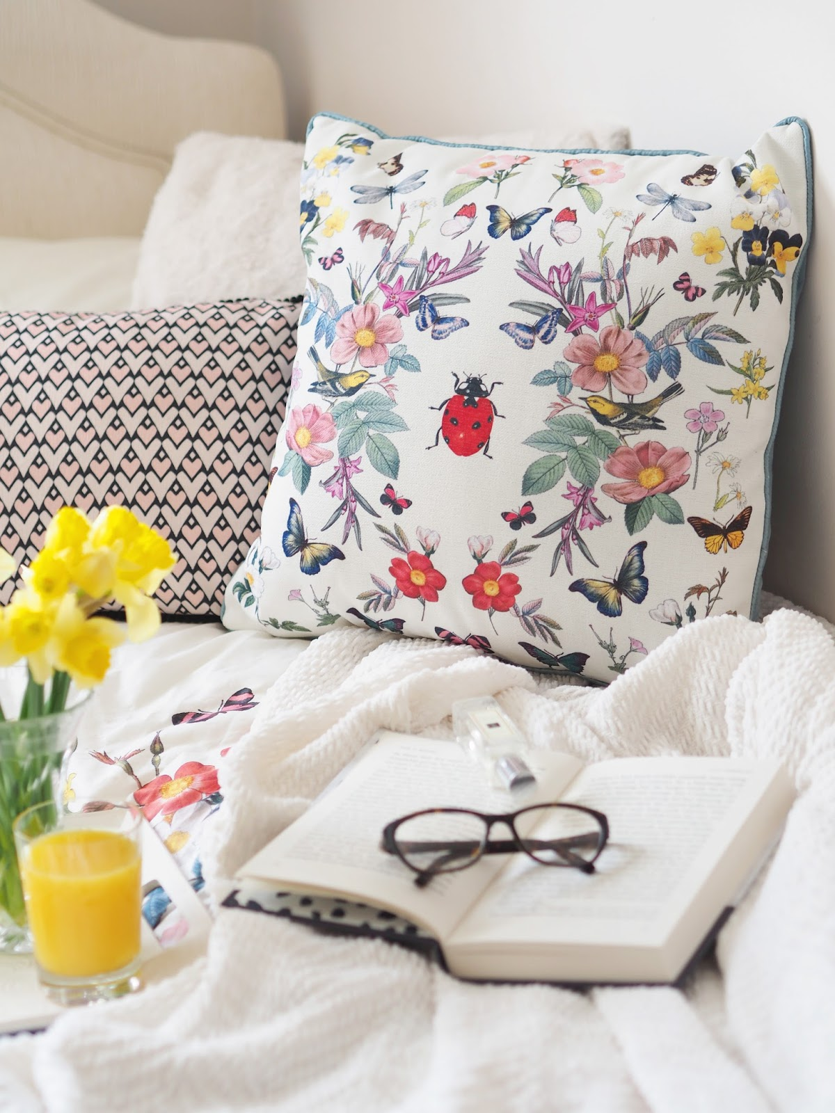 10 Ways To Spring Clean Your Life, UK Blogger, Lifestyle Blogger, Homeware, Lifestyle Tips, Spring Inspiration, Oasis Fashion, Oasis Homeware, Interior Inspiration, Interior Ideas