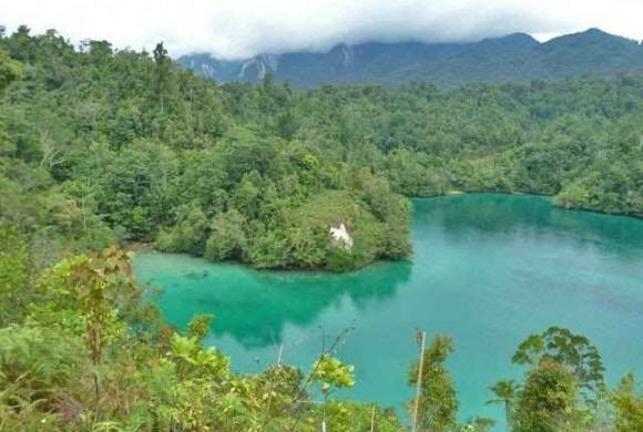 Danau Telaga Biru, Destinasi Wisata Papua Yang Cantik