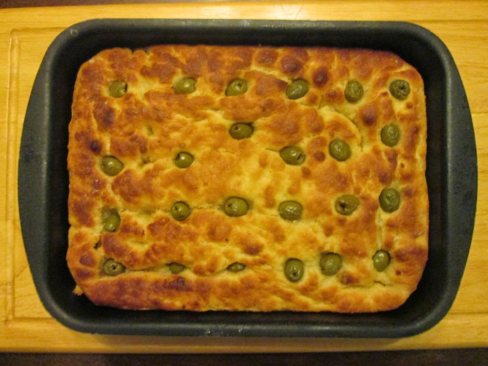 Focaccia pugliese com azeitonas (Focaccia pugliese con le olive)