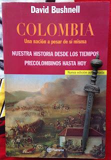 Portada del libro Colombia. Una nación a pesar de sí misma, de David Bushnell