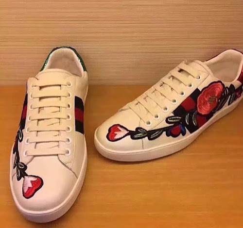 212fcfc1735 NEW ARRIVALS   2016 GUCCI FLOWER EMBROIDERY LOW SNEAKERS