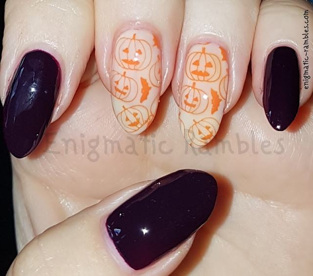 Halloween-Pumpkin-Nails