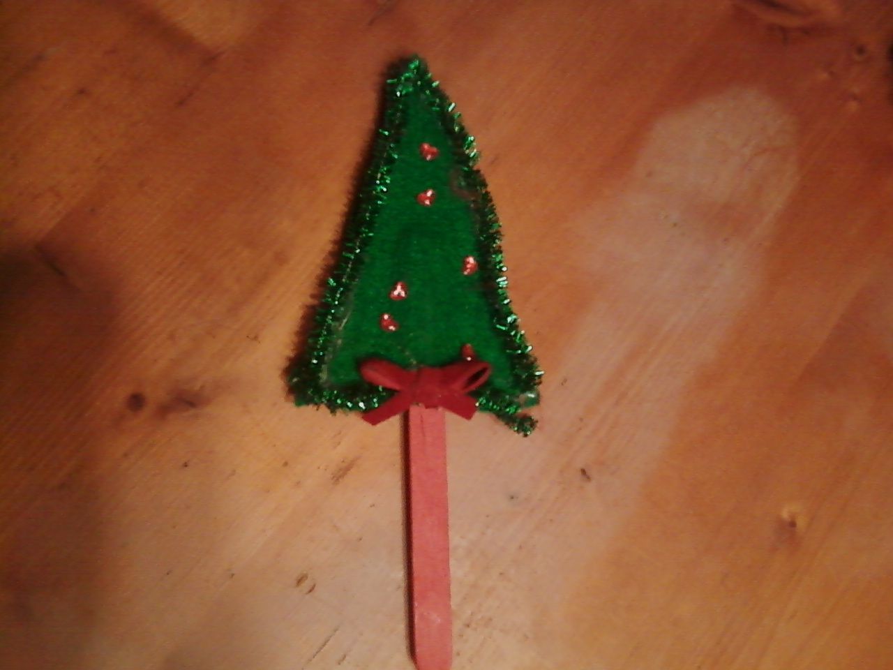 christmas tree puppet or magnet or pin