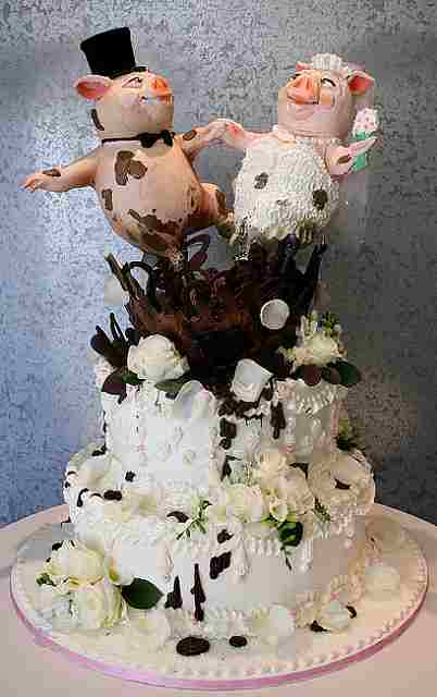 10 weirdest wedding cakes weddingzilla wedding cakes 10017