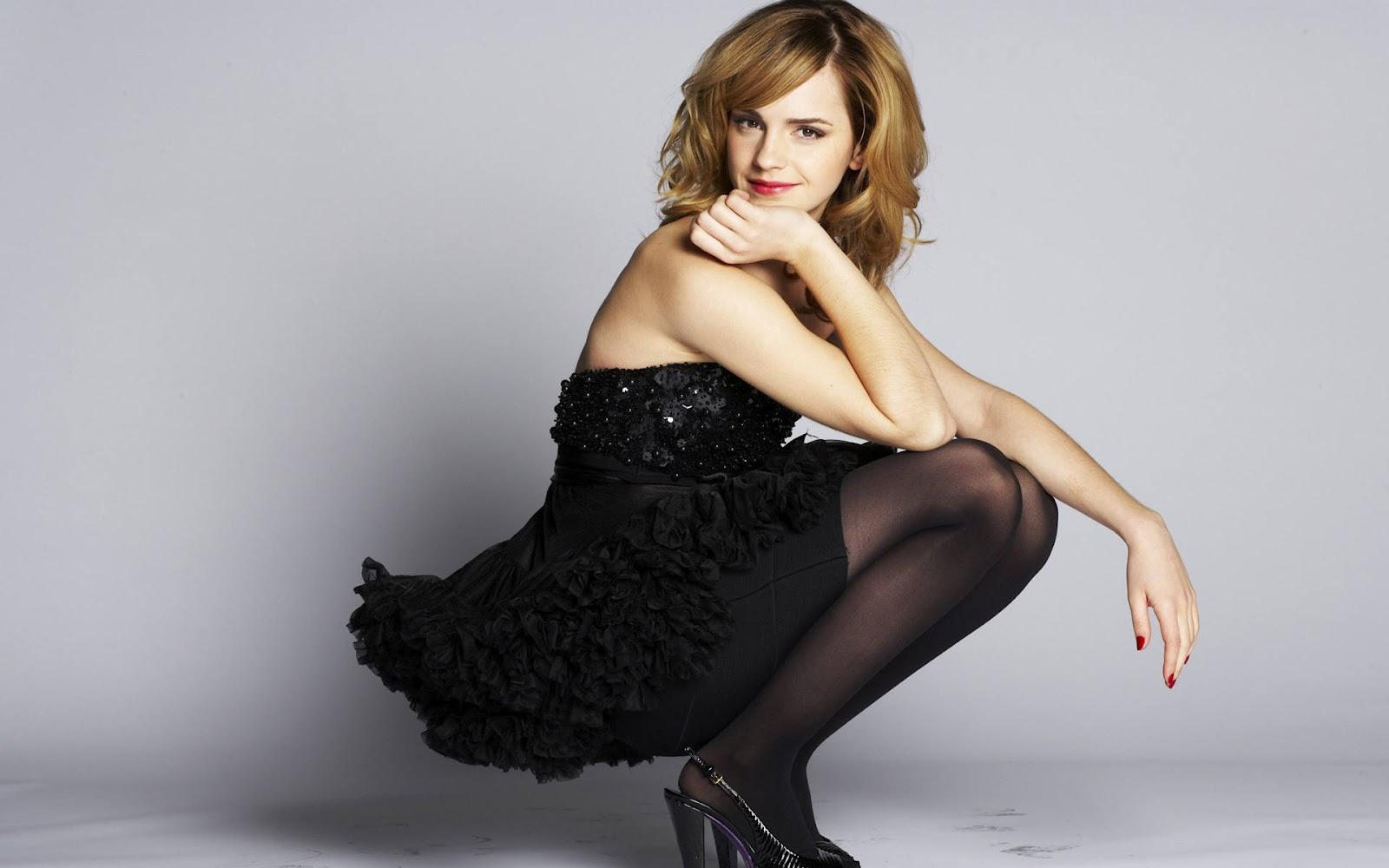 Wallpaper a day: emma watson in a black skirt and tights ... эмма уотсон инстаграм