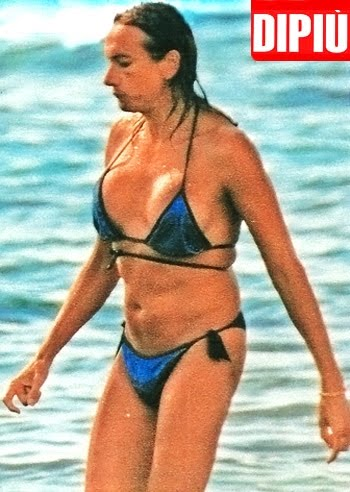 Celeb68>official: Vladimir Luxuria foto bikini a Gallipoli.....