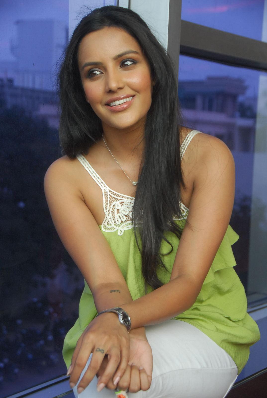 Beautiful Images: Priya Anand In Green Shoulderless at 180