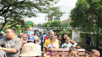 Suasana atas Bis Macito Malang City Tour
