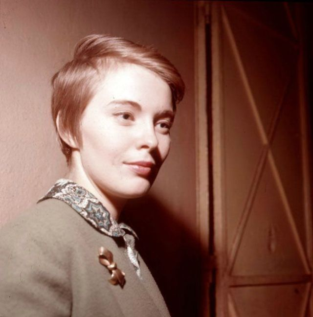 35 Glamorous Color Photos Of Jean Seberg In The 1960s Vintage Everyday