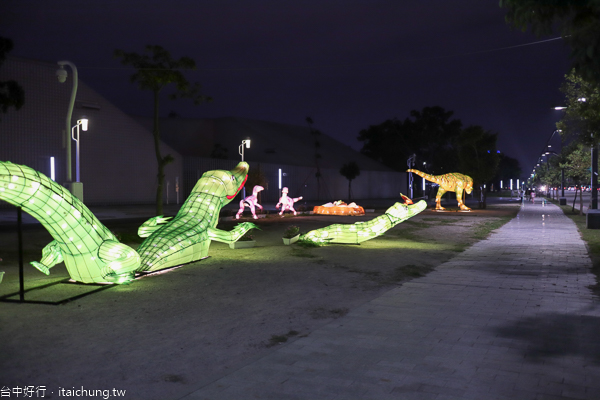 台中水湳中央公園「台灣燈會動物狂歡嘉年華」同賞科湳愛琴橋