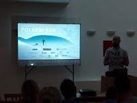 Davor Rostuhar, multimedijalno predavanje i predstavljanje knjige - Postira slike otok Brač Online