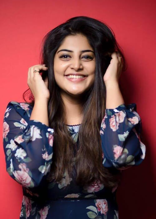 Actress Manjima Mohan Biography, Age, Height, Caste, Wiki, Career, Husband, Family, Movies List and Bio-data
