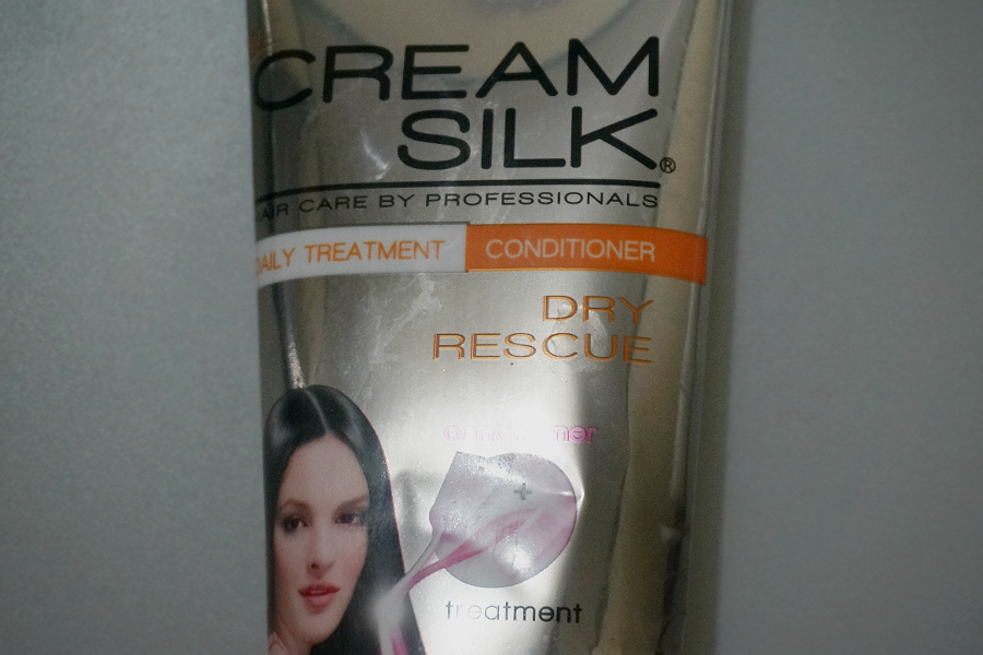 Cream Silk Dry Rescue Daily Treatment Conditioner
