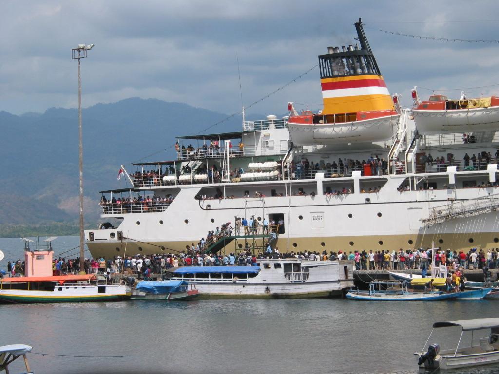 Tempat Wisata Semarang: Memburu Sensasi Di Atas Kapal Laut