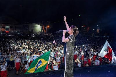 Ana Paula Valadão agradece pelo carinho recebido pelo povo de Jequié.
