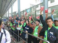 ภาพบรรยากาศนำแรงงานพม่าออกด่าน จำนวนกว่า 128 คน
