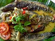 Resep praktis (mudah) ikan lele bumbu rujak spesial (istimewa) yang enak, sedap, gurih, nikmat dan lezat