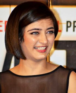 Akshara Haasan Family Husband Son Daughter Father Mother Marriage Photos Biography Profile.