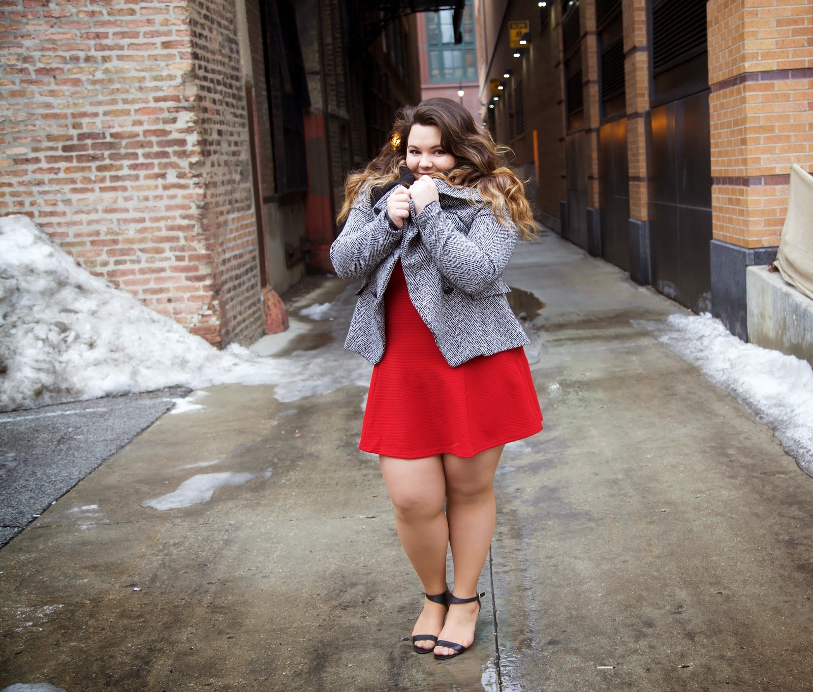 Valentines Day outfit, dress, winter style, chicago, bbw, curvy girls, natalie craig, natalie in the city, plus size fashion blogger, fashion blogger, forever 21, RED MINI DRESS, houndstooth coat, forever 21 plus size, ootd