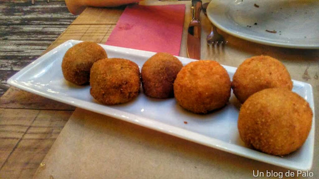 Restaurante Saporem en Madrid croquetas