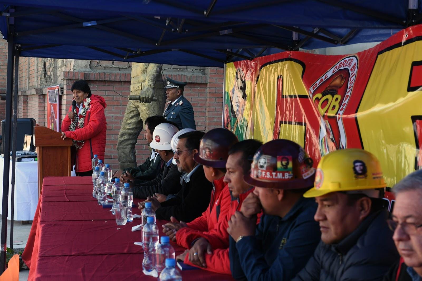 Sindicatos y organizaciones sociales obedecen y son los pilares de Morales  / ABI