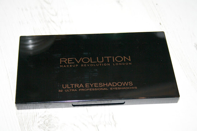 Makeup Revolution Flawless Matte 2