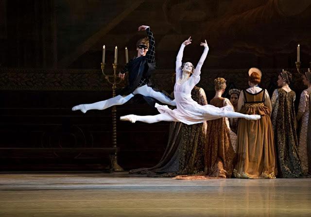 En San Petersburgo podemos disfrutar del ballet del Teatro Mariinsky. Mariinsky Theater, ballet, San Petersburgo, cultura