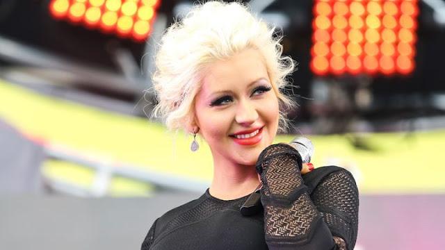 Anuncio de la nueva presentación de Christina Aguilera levanta sospechas de lanzamiento de un nuevo sencillo.