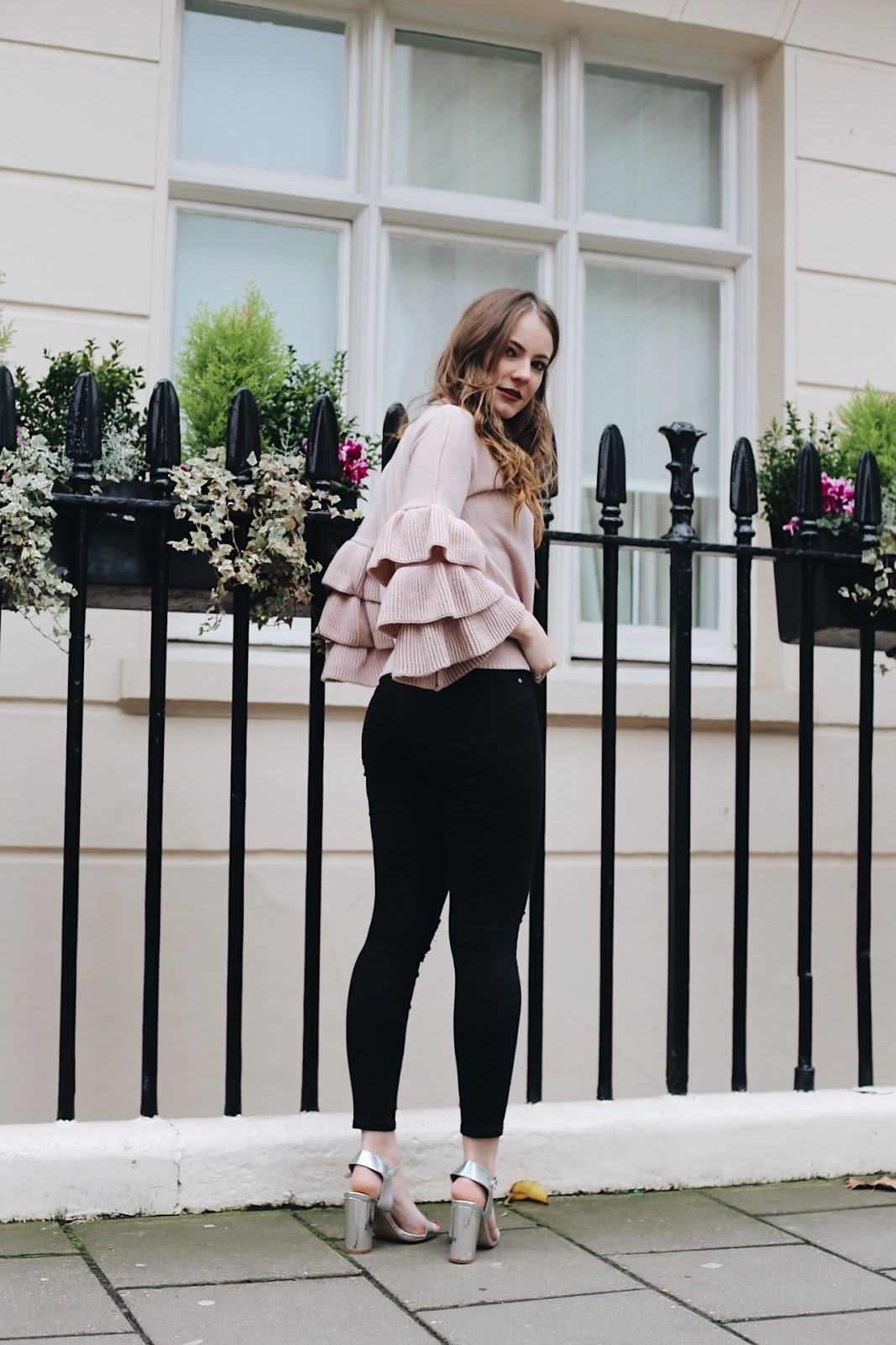 self confidence, confidence, body image, vanity vs confidence, what is self confidence, shein jumper, shein, shein ruffled jumper, shein ruffled pink jumper, pink ruffles