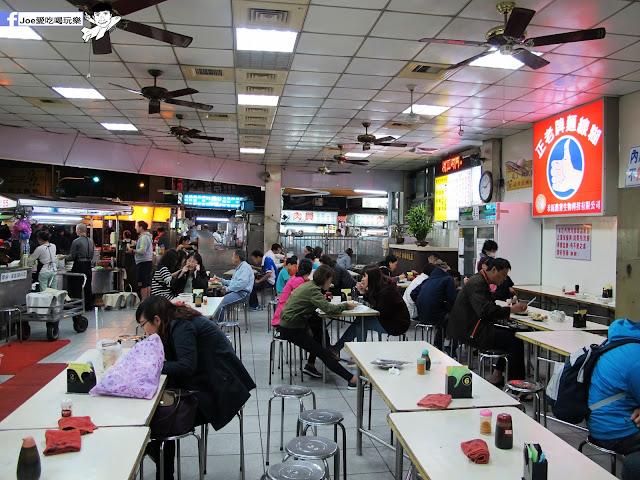 IMG 7372 - 【台中美食】台中忠孝夜市必吃,營業超過40年的老味道 『正老牌』麵線糊/臭豆腐,我想這應該是在地人小時候的回憶吧!!