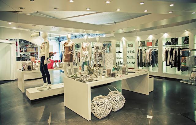 thiết kế shop thời trang nữ đẹp - mẫu số 14