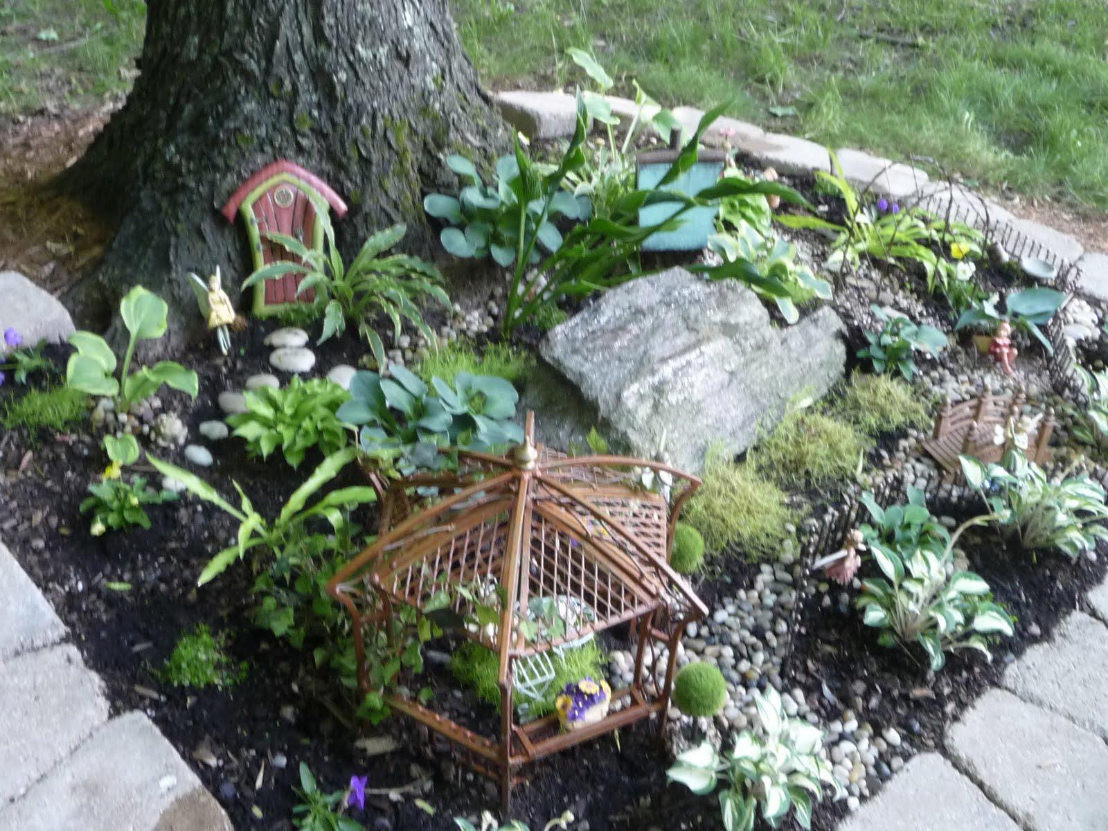 Enchanted Garden: Home, Garden & Renovating