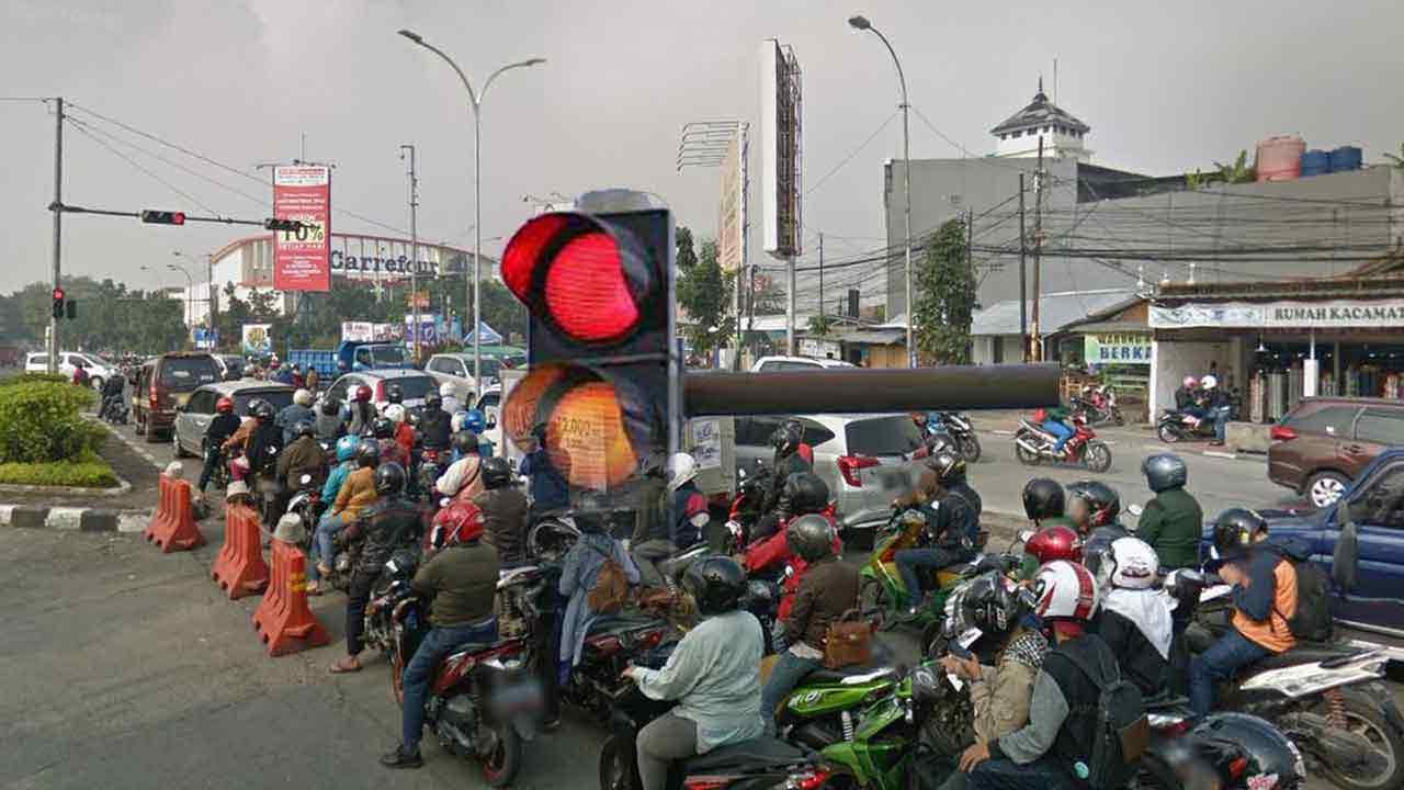 kultum-tentang-mentaati-rambu-lalu-lintas-berhenti-ketika-lampu-merah-menahan-diri-seperti-puasa