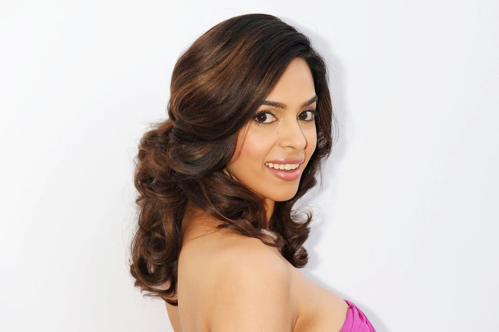letest top 30 mallika sherawat cute photo gallery free download ~ hd