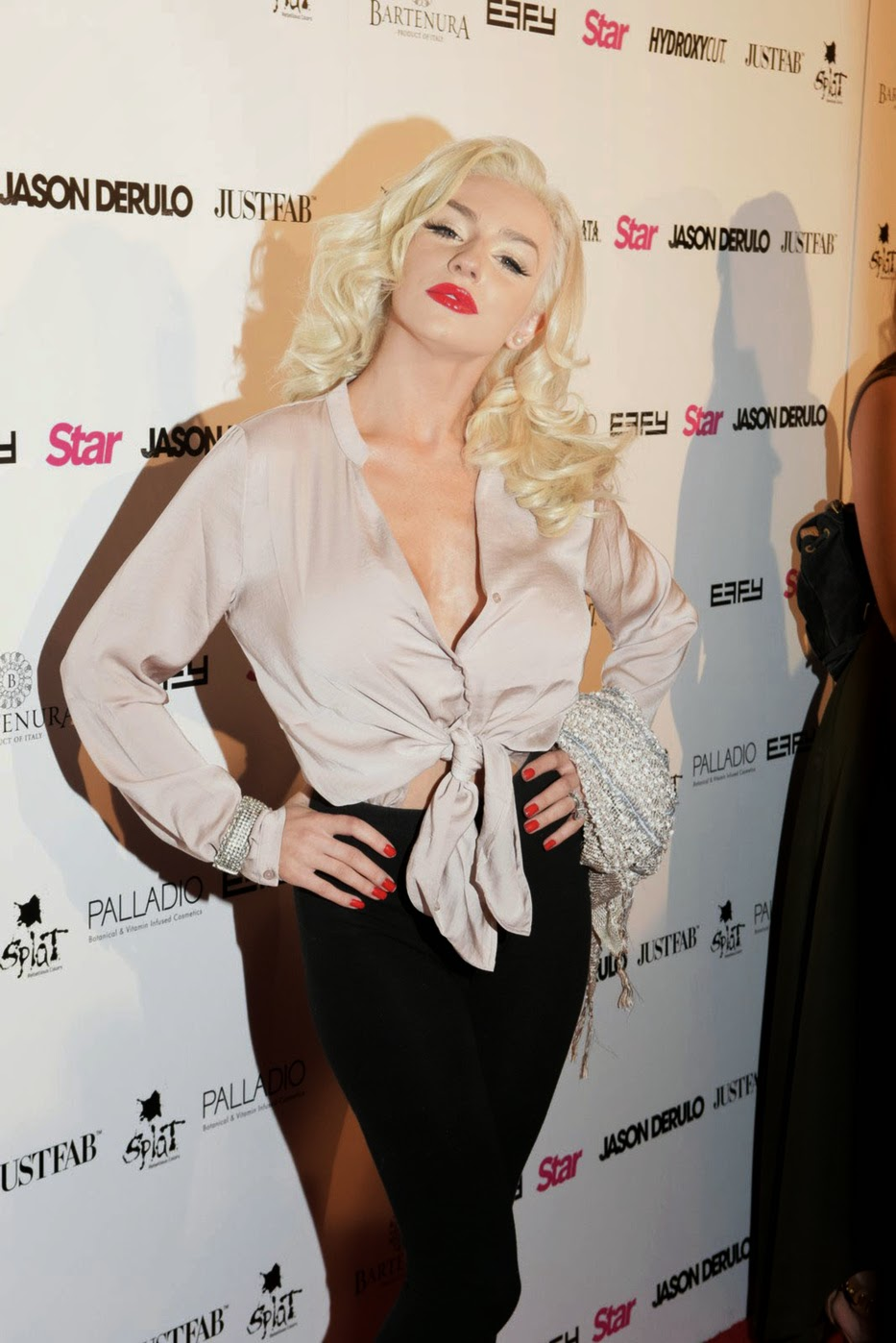 Courtney Stodden And Her Funbags Return