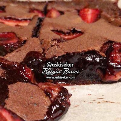 KAHVELi ÇiLEKLi BROWNiE TARiFi nasıl yapılır Kolay Nefis SUFLE Tadında Brownie Tatlı Yemek Tarifleri Yapımı