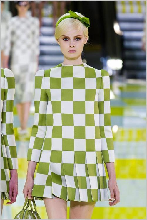 Đầm, váy họa tiết to bản, đậm 3