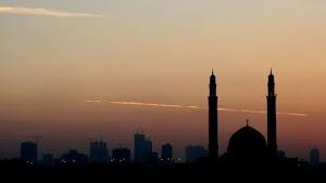 8 Perhiasan Dunia yang Perlu Dipahami Muslim Berakhlak