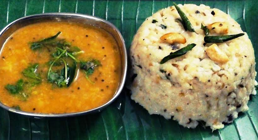 Aval Khaara Pongal (Poha Hot Pongal)