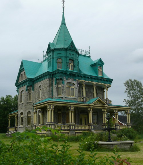 Dream House: Victorian With Turquoise Roof