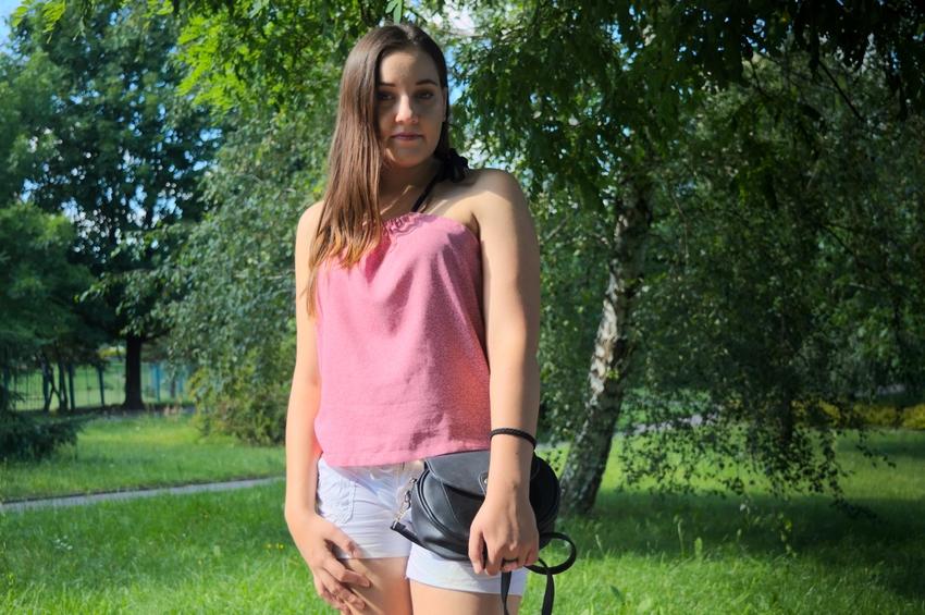 Wakacyjna różowa bluzka szycie