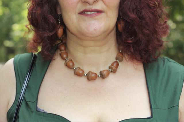 Halskette aus echten Eicheln auf Ü50 Fashion Blog