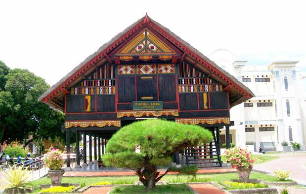 Rumah Krong Bade, Rumah Adat Provinsi Aceh (Nangroe Aceh Darussalam)