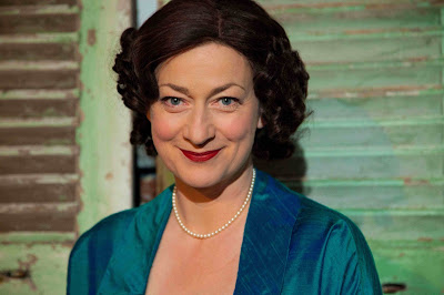 Lucy Stevens in Kathleen Ferrier: Whattalife! - photo Geoff Broadway