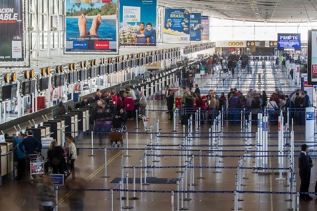 Serviços no aeroporto de Santiago